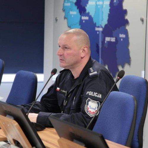 ŚWIĘTOKRZYSCY POLICJANCI NA PODIUM MISTRZOSTW POLICJI W PŁYWANIU